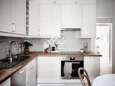 Fantastic one room Scandinavian wonder (Daily Dream Decor) Corner Kitchen Layout, Kitchen Pantry, Kitchen Cabinets, Kitchen Ideas, Latest Kitchen Trends, Feng Shui Bedroom, Gravity Home, Dream Decor, Scandinavian Interior