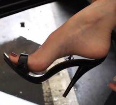 Risultati immagini per pantyhose feet heels Open Toe High Heels, Black High Heels, High Heel Boots, Nylons, Stilettos, Stiletto Heels, Sexy Legs And Heels, Sexy Toes, Killer Heels