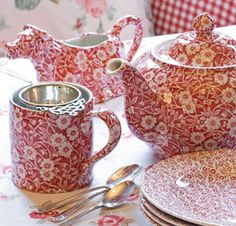 Beautiful Burleigh Pottery in the pattern 'Red Calico'.