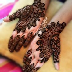 Best 11 Mehndi henna designs are always searchable by Pakistani women and girls. Women, girls and also kids apply henna on their hands, feet and also on neck to look more gorgeous and traditional. Henna Hand Designs, Mehndi Designs Finger, Modern Mehndi Designs, Mehndi Designs For Girls, Mehndi Designs For Fingers, Beautiful Mehndi Design, Mehndi Designs For Hands, Henna Tattoo Designs, Finger Mehndi Style