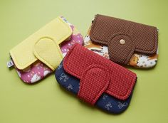 Sock Bowl: Zipped Card - tutoriel et modèle Coin Purse Tutorial, Wallet Tutorial, Sew Wallet, Sewing Art, Little Bag, Bag Organization, Gift Bags, Clutch Bag, Sewing Projects