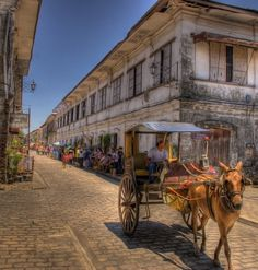 [Vigan, Philippines] It is a World Heritage Site in that it is one of the… Vigan Philippines, Manila Philippines, Philippines Travel, Filipino Architecture, Architecture Design, Places To Travel, Places To Visit, Filipino Culture, Philippines Culture