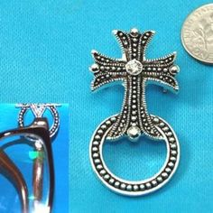 Religious Texture Cross Picture Badge ID Eye Glass Holder Brooch Pin