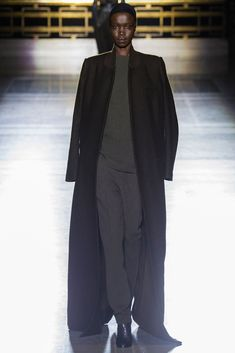 Haider Ackermann Fall 2014 Ready-to-Wear Fashion Show - Nykhor Paul (MAJOR)