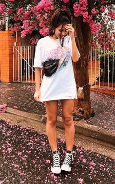 look com all star Shirtdress Outfit, Moda Streetwear, Streetwear Fashion, Trendy Fashion, Girl Fashion, Fashion Outfits, Trendy Style, Summer Outfits, Casual Outfits
