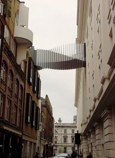 The Floral Street Bridge near Covent Garden was built by Wilkinson Eyre Architects to enable dancers to access the stage of the Royal Opera House directly from the Royal Ballet School.