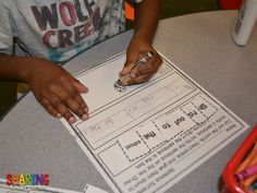 Sight Word Stations~ Primer {With a Giveaway} - Sharing Kindergarten Letter School, Sight Word Centers, Reading Tutoring, Common Core Curriculum, Kindergarten Centers, First Grade Reading, Word Work, Sight Words, Phonics