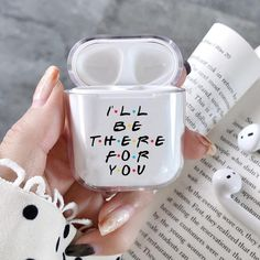 The latest news and ideas that are worth sharing. Cute Ipod Cases, Iphone Cases, Fone Apple, Friends Phone Case, Accessoires Iphone, Air Pods, Airpod Case, Coque Iphone, Iphone Accessories