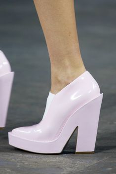 Alexander Wang Spring 2014 Ready-to-Wear Collection heels Dream Shoes, Crazy Shoes, Me Too Shoes, Bootie Boots, Shoe Boots, Shoes Heels, Pumps, Paris Mode, Sock Shoes