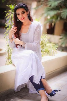 Stylish Actress Hareem Farooq Wardrobe by Pakistani Designers : we see Hareem Farooq wearing Zainab Chottani, Maria B dress, Sapphire and Sania Maskatiya outfit Stylish Photo Pose, Stylish Girl Pic, Dress Indian Style, Indian Dresses, Girl Photo Poses, Girl Poses, Stylish Dresses, Simple Dresses, Casual Dresses