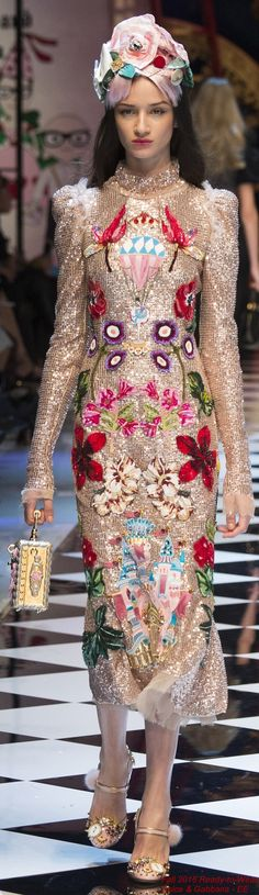 Fall 2016 Ready-to-Wear Dolce & Gabbana