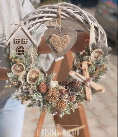 23 Clever DIY Christmas Decoration Ideas By Crafty Panda Pink Christmas Decorations, Xmas Wreaths, Christmas Mood, Diy Christmas Tree, Christmas Ornaments, Diy Weihnachten, Diy Wreath, Christmas Crafts, Beautiful