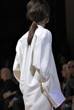 Relaxed back, CÉLINE