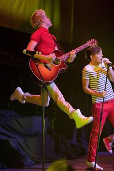 yeah .. fuck*ng gravity ;) you are Niall Horan :P