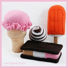 Felt Ice Cream Cone with Changable Ice Cream, Sandwich and Creamsicle (Patterns and Instructions) Felt Diy, Felt Crafts, Felt Food Patterns, Pdf Patterns, Ice Cream Set, Felt Play Food, Ice Cream Treats, Creation Couture, Fake Food