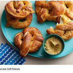 Homemade Soft Pretzels #snacks #easy