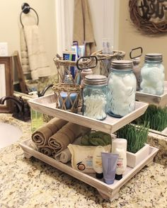 Guest bathroom Tiered tank More - Deko - Bathroom Decor First Apartment, Tray Decor, Home Organization, Organizing Ideas, Home Projects, Craft Projects, Farmhouse Decor, Farmhouse Ideas, Farmhouse Style