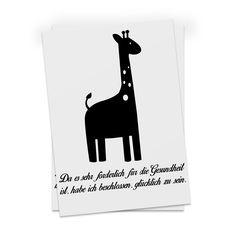 Postkarte Giraffe aus Karton 300 Gramm  weiß - Das Original von Mr. & Mrs. Panda.  Diese wunderschöne Postkarte aus edlem und hochwertigem 300 Gramm Papier wurde matt glänzend bedruckt und wirkt dadurch sehr edel. Natürlich ist sie auch als Geschenkkarte oder Einladungskarte problemlos zu verwenden.    Über unser Motiv Giraffe  Rekord: Giraffen sind die höchsten landlebenden Tiere der Welt. Männchen können bis zu 6 Meter hoch werden. Giraffen leben in Freiheit in der afrikanischen Savanne…