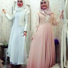 Simple & elegant dress by Aira wedding hijab