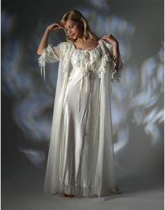 Nightdress by Jane Woolrich (3271)