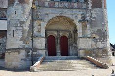 Eglise Saint-Martin (église fortifiée) ,Montcornet (Aisne - Thiérache) -Picardie