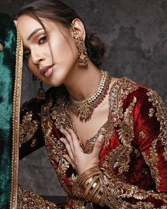 Velvet Dress Designs, Mehndi Style, Famous Models, Pakistani Actress, Fashion History, Indian Beauty, Indian Fashion, Bridal Dresses, Shawl