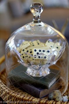 Generation of dice and books protected by a cloche. Glass Dome Display, Glass Domes, Glass Jars, Clear Glass, Vintage Display, Vintage Decor, The Bell Jar, Bell Jars, Cloche Decor