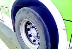 Movimento social denuncia pneus 'carecas' em ônibus
