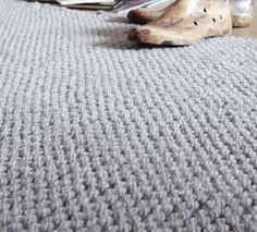 Parfait pour donner une ambiance très chaleureuse à votre intérieur, on craque pour ce modèle de tapis confortable tricoté en 'Phil-Express ', coloris Jean.Modèle N°5 du mini-catalogue N°602 : Automne/Hiver 2015, Spécial Déco. Merino Wool Blanket, Shag Rug, Parfait, Catalogue, Boutique, Rugs, Mini, Imagination, Inspiration