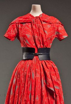 Day dress, 1952, by Claire McCardell, an American designer. I love the belt.