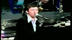 Bobby Darin - The Great Performer - Legends In Concert  1. Beyond The Sea 2. Dream Lover 3. (Your Love Keeps Lifting Me) Higher And Higher 4. What'd I Say 5. Hi-De-Ho 6. Hello, Young Lovers 7. Splish Splash 8. Some Of These Days 9. Can't Take My Eyes Off You 10. Lonesome Road (feat. Judy Garland) 11. Mack The Knife 12. Dream Lover 13. If I Were A Carpenter 14. I Have Dreamed 15. I Got Rhythm 16. Bridge Over Troubled Water