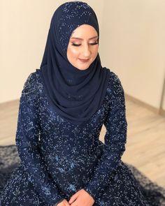 Bridal Hijab Styles, Turban, Hijab Fashion, Tulips, Make Up, Beauty, Makeup, Turbans, Beauty Makeup