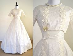 1950s Wedding Dress Ivory Lace Miss Betsy by YellowBeeVintage on Etsy https://www.etsy.com/listing/237440147/1950s-wedding-dress-ivory-lace-miss