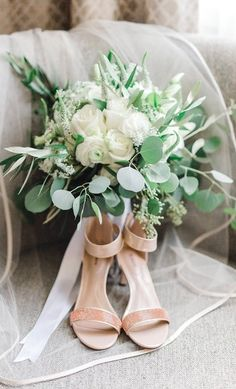 Gorgeous greenery and white with neutral heels.
