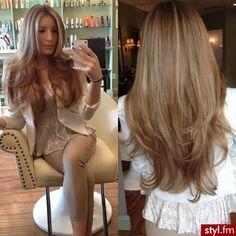 medium blond haircolor