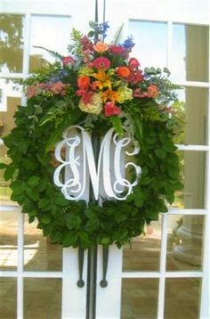 Beautiful wreath, love the monogram!