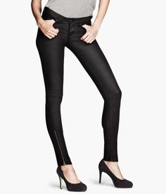 Skinny Low Ankle Zipper Black Jeans with black pumps - Product Detail | H US