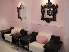 Pretty and pink nail salon in Richmond