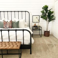 You have a nice living room but no room? And if you partition your living room to create this room you dream? How to create two separate spaces in a room without heavy work? Apartment Bedroom Decor, Home Bedroom, Bedroom Ideas, Bedroom Frames, Royal Bedroom, Bedroom Red, Cozy Apartment, Bedroom Inspo, Black Iron Beds