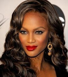 Looking for colorful curly lace front wigs? We specialize in short lace front wigs,lace front human hair wigs at cheap price with wide selections of lace front wigs. American Hairstyles, Black Girls Hairstyles, Celebrity Hairstyles, Vintage Hairstyles, 1950s Hairstyles, Prom Hairstyles, Lace Front Wigs, Lace Wigs, Tyra Banks Hair