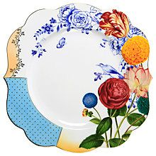 Bring bright colour to the dining table with this Royal Pip dinner plate from Pip Studio. Crafted from porcelain with beautifully curved edges, it features a colourful floral border with chic gold acc Pip Studio, Assiette Design, Breakfast Plate, White Dinner Plates, Deco Boheme, Porcelain Dinnerware, China Painting, Floral Border, Deco Table
