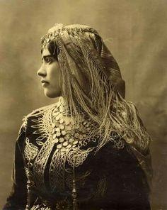 Algerian Jewish woman 1890.