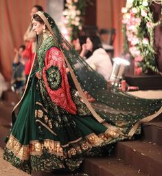 Latest Collection of Lehenga Choli Designs in the gallery. Lehenga Designs from India's Top Online Shopping Sites. Designer Bridal Lehenga, Indian Bridal Lehenga, Indian Bridal Outfits, Pakistani Wedding Dresses, Indian Dresses, Sabyasachi Wedding Lehenga, Bridal Dupatta, Choli Designs, Lehenga Designs