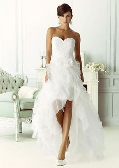korte ladybird trouwjurk met losse transparante rok model 54112 xsasa bruidsmode onze. Black Bedroom Furniture Sets. Home Design Ideas