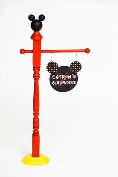 Mickey Mouse /Minnie Mouse Inspired Birthday Sign or for a kid's bedroom? Mickey Party, Mickey Mouse Birthday, Mickey Minnie Mouse, 2nd Birthday, Disney Theme, Disney Diy, Disney Crafts, Mickey Mouse Classroom, Disney Classroom