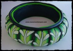 tropical leafs polymer clay bangle bracelet door ManonvanKempen, €15.00