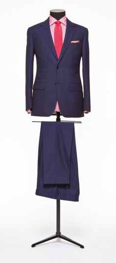 Fashion and style inspiring ideas regarding gals. Start looking good in the top of the line competitively priced trend. Mens Tailored Suits, Slim Fit Suits, Gents Suits, Men Wearing Dresses, Tailor Made Suits, Blazer Outfits Men, Suit Combinations, Suit Fashion, Daily Fashion