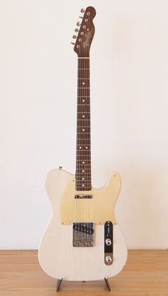 2000 Fender Custom Shop Rosewood Telecaster Arctic trans white with cream pick guard
