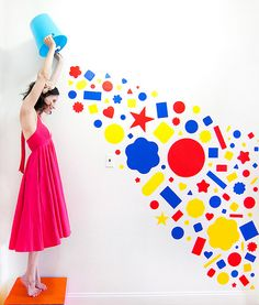 Colorful Paper Art by Katie Sokoler. Katie is a freelance photographer, actress, street artist and fun maker based in Brooklyn, NY. View the website Diy Photo Backdrop, Geometric Decor, Maker, Colored Paper, Photography Backdrops, Street Artists, Color Splash, Creative Art, Home Art