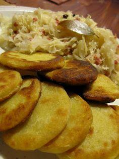 Küchenzaubereien: Erdäpfelblattln mit Sauerkraut